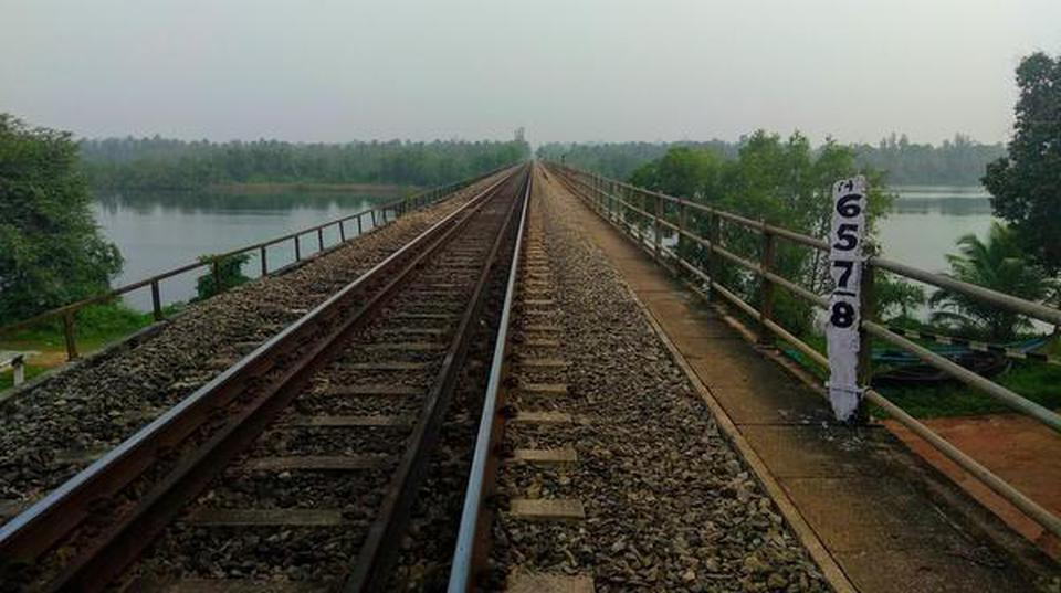Konkan Rly. gears up to face another monsoon - The Hindu