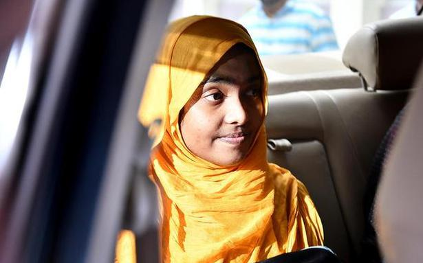 Hadiya leaves for Kerala with husband from Salem homeopathy college