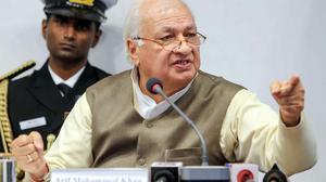 Kerala Governor cites lese majeste, demands answer
