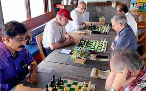 Chess Houseboat 2020 begins