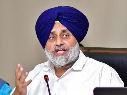 Coronavirus Punjab: Shiromani Akali Dal President Sukhbir Singh Badal asked Captain Amarinder Singh to talk to 'safai' workers to end their strike.