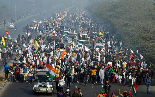 A parallel parade marred by violence | Tractor rally in pictures - The Hindu