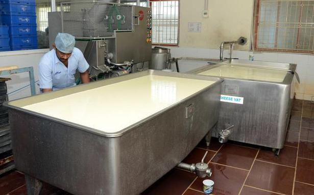 Watch   41% milk samples of poor quality, 7% samples unfit to consume says FSSAI survery