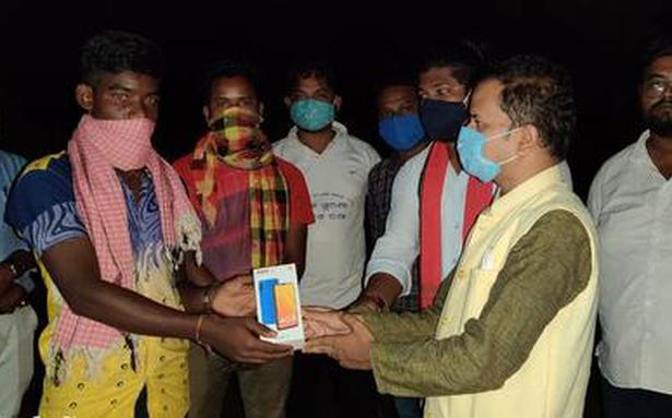 Odisha tribal student migrating to earn a smartphone for online schooling rescued