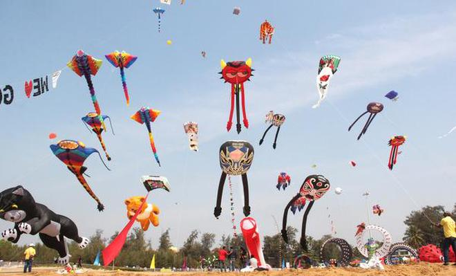 kite flying festival to attract youngsters the hindu stunt kites