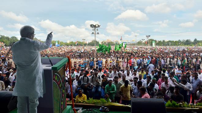 Lalu Prasad Yadav addresses the mega rally in Patna | Photo Credit: Ranjeet Kumar