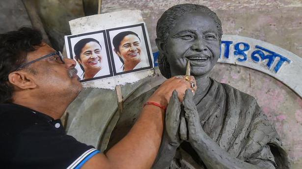 "Mamata's ""idol"" to share space with Durga in Kolkata pandal"