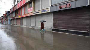 Separatists' strike affects life in Kashmir