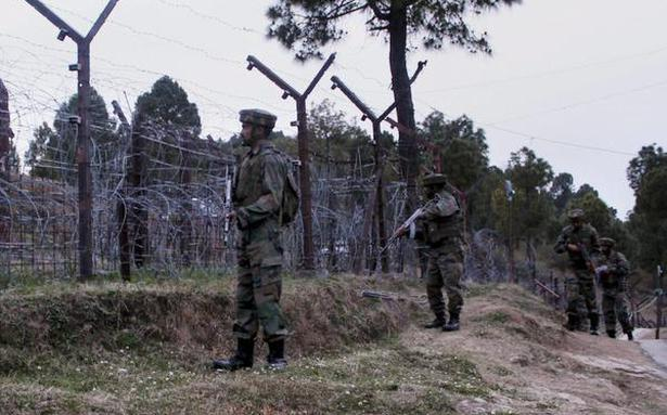 Pakistan violates ceasefire along LoC in Jammu and Kashmir's Poonch thumbnail