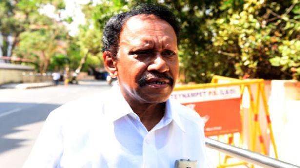 AIADMK merger move: Thambi Durai pays a 'courtesy visit' to Raj Bhavan