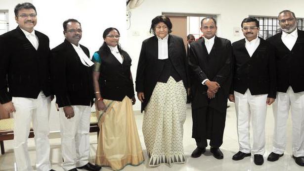 Six HC judges sworn in