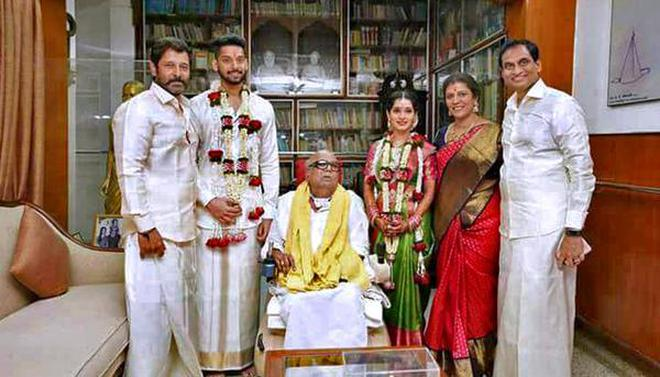 Karunanidhi Presides Over Family Wedding In Chennai