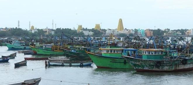 3,000 fishermen from Rameswaram keep off the sea to protest Coast Guard action
