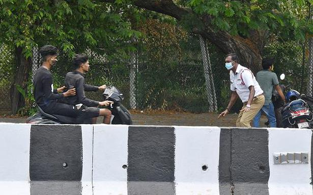 Coronavirus | 500 to 700 COVID-19 norms violation cases booked daily in Chennai, say police