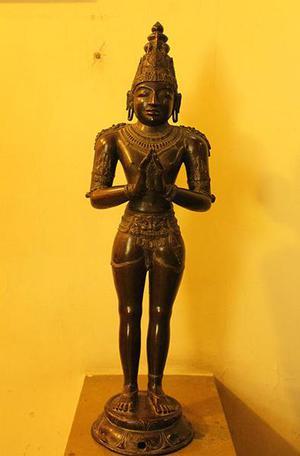 Idols Of Raja Raja Chola Consort Recovered From Gujarat The Hindu