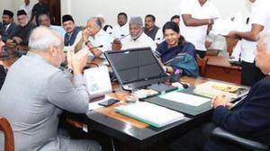 Kanimozhi takes up fishermen issue with Ranil