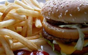 Night time snacking linked with poor sleep