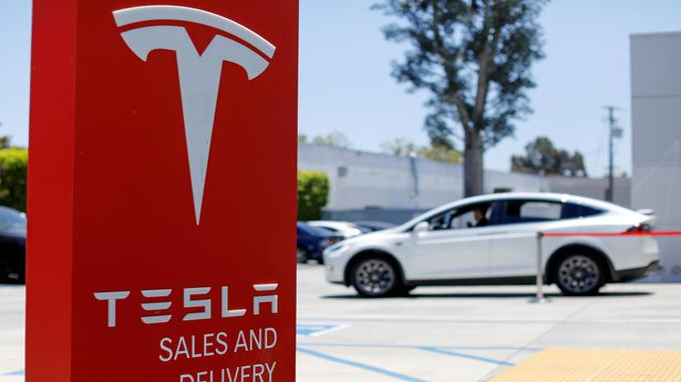 Tesla drops radar; is Autopilot system safe?