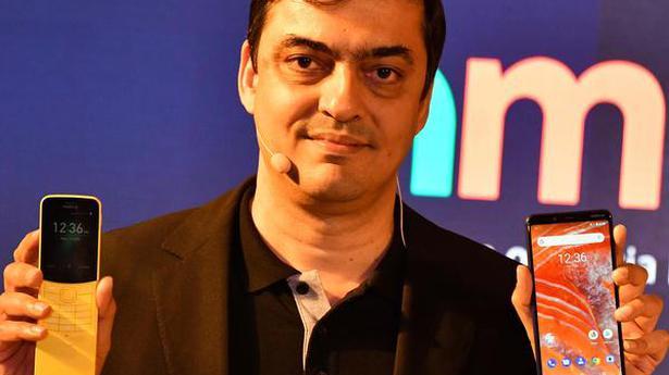 Nokia unveils slider phone