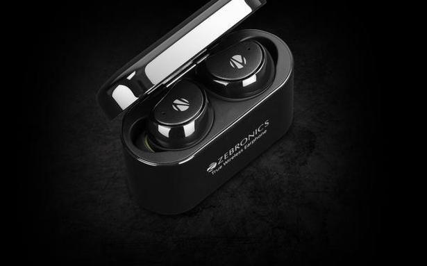 QnA VBage Take a moment with the Zeb-Peace wireless earphones