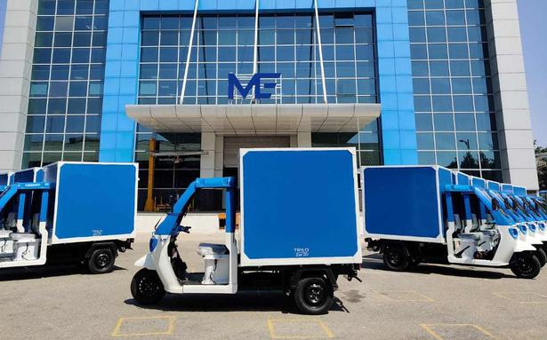 Amazon teams up with Mahindra, deploys nearly 100 EVs for deliveries