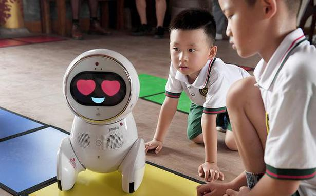 Robot teachers in China's kindergartens