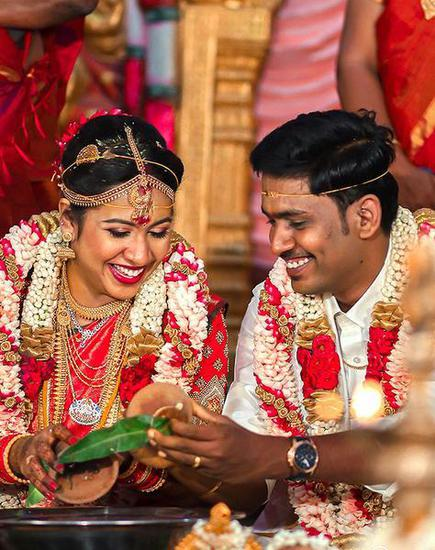 Covid 19 Couples Live Stream Intimate Weddings Under Lockdown The Hindu