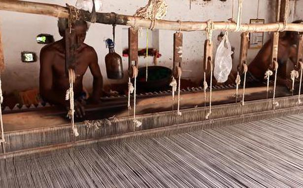 How Jamakkalam weavers are reinventing this heritage product