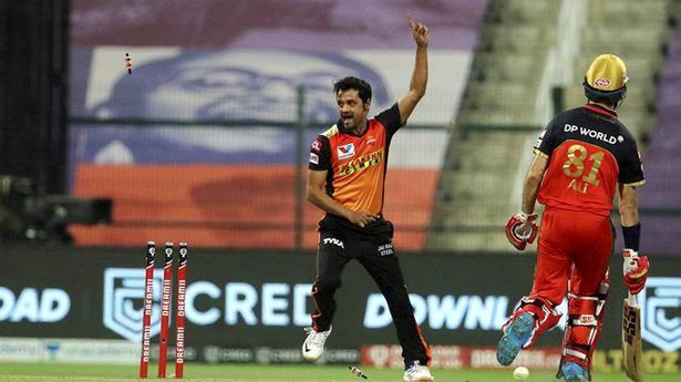 IPL 2020 Eliminator   Williamson, Holder ensure SRH stays alive in a tense shoot-out