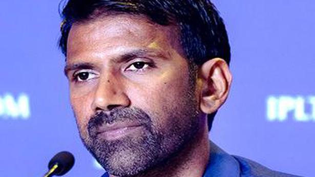 IPL 2021   Chennai Super Kings airlifts Balaji and Hussey