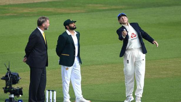Eng vs Pak second Test | Pakistan elects to bat