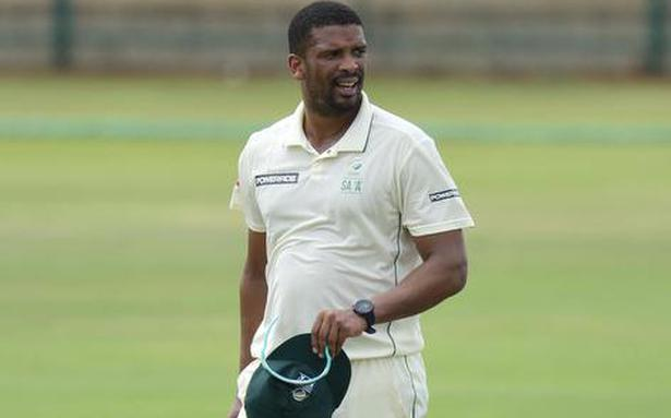 Spinners hold the key in upcoming test against India, says Vernon Philander