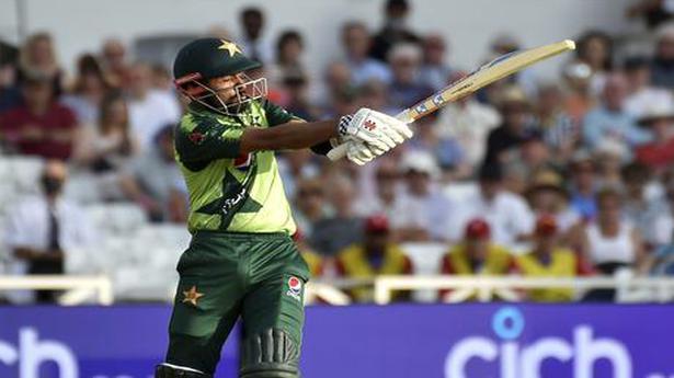 Resurgent Pakistan beats England by 31 runs in first T20