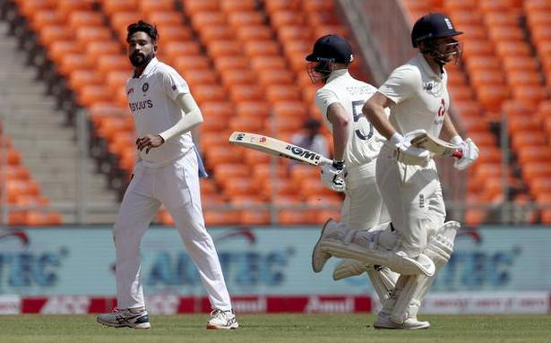 Ind vs Eng fourth Test Day 1 | Stokes was swearing at me, Virat bhai handled that well, says Siraj