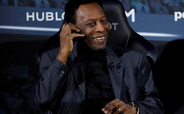 """Pelé in """"semi-intensive"""" care, daughter says he's doing well"""