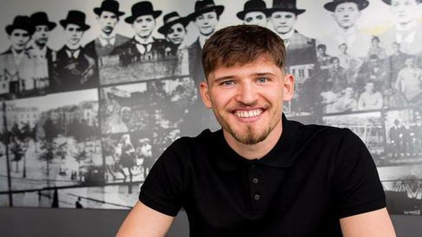 Dortmund signs Swiss goalkeeper Gregory Kobel from Stuttgart
