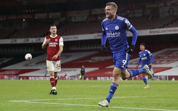Premier League   Vardy header gives Leicester first win at Arsenal in 47 years