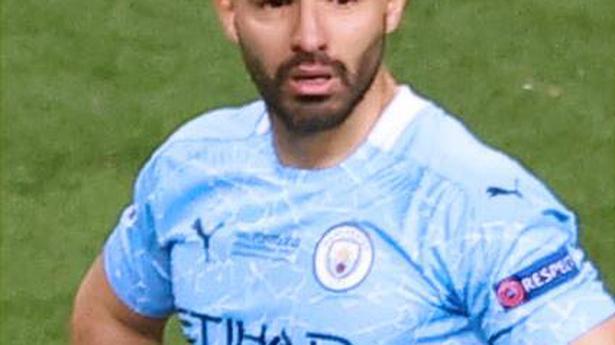 Barcelona signs Aguero until 2023