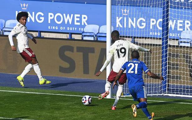 Euro Leagues   Arsenal shoots down Leicester's hopes