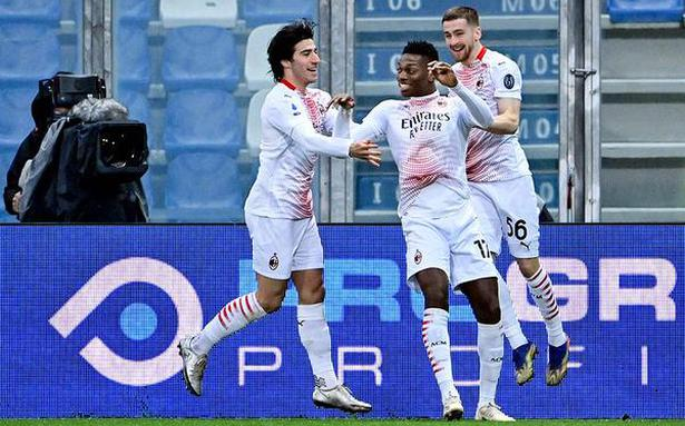 Leao's day out as Milan wins