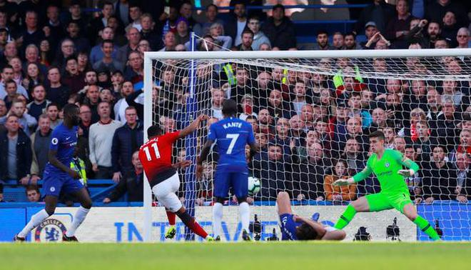 Chelsea's Barkley robs United of a win