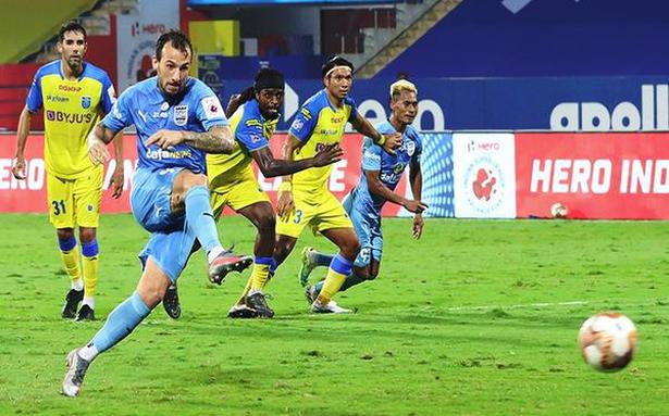ISL   Mumbai City engineers come-from-behind win