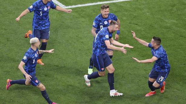 Euro 2020 | Skriniar lifts Slovakia to win over Poland
