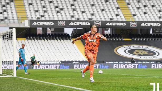 Cristiano Ronaldo scores twice on return from COVID-19 in Juventus win