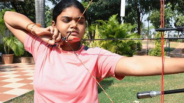 Surekha and Abhishek advance to third round of Archery World Championships