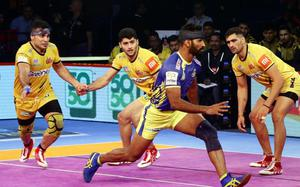 Thalaivas stay alive in the race for playoffs