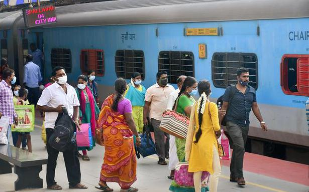Covid-19 | Railways' earnings from sale of platform tickets drops by 94%