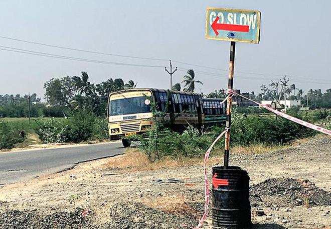 Vehicles taking an alternative road near Keeranur on Tiruchi-Karaikudi highway